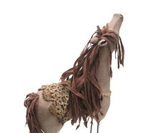 Stick Leg Horse - Gertie (beggar-face)