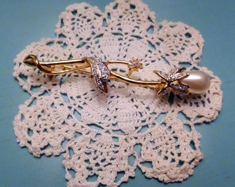 Stem of a Rose, Pearl Vintage Brooch