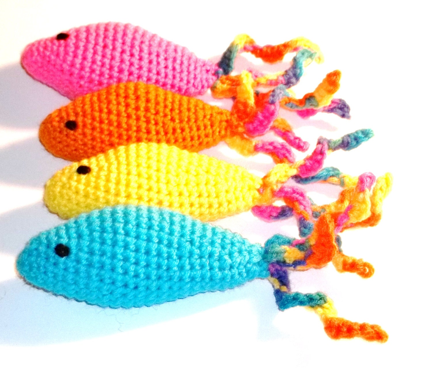 Catnip cat toy fish curly tail hand crochet for Fish cat toy
