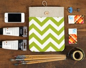 60% OFF Winter SALE White Linen iPad Case with Green Chevron print pocket and button closure. Padded Cover for iPad 1 2 3 4. iPad Sleeve.