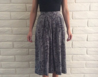 Grey Paisley Refined Boho Western Skirt//// size 2