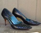 Vintage Shoes 1960s Pointy Toe Black Snake Stilettos Size 8 Size 7.5 Martinique Pumps for Foleys