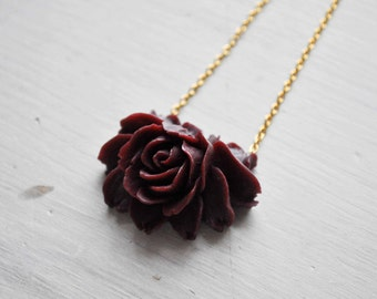 burgundy blossom -necklace (burgundy rose blossom flower cabochon on a gold plated chain)