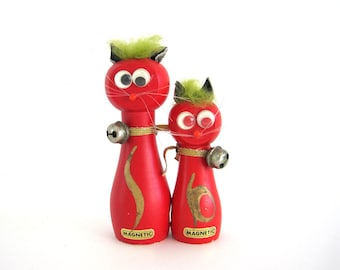 Vintage Cat Pair Googly Eyes Magnetic Wood Green Hair Red Kitsch Christmas Gift Under 10