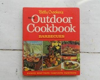 Betty Crocker's New Outdoor Cookbook Barbecues