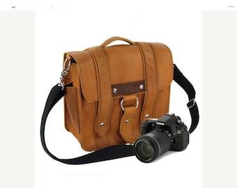 "10"" Bourbon Napa Safari Leather Camera Bag"