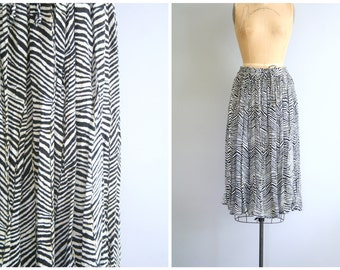 zebra stripe Indian rayon gauze skirt - animal print zebra skirt / black & ivory safari striped skirt / vintage boho skirt - gauzy skirt
