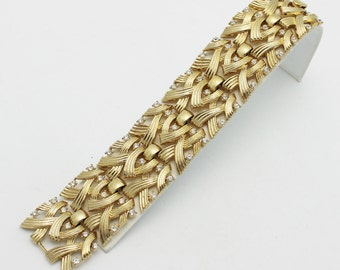 Vintage Trifari Bracelet Golden with Rhinestones