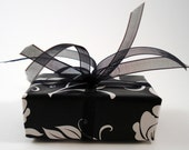 Gift Wrap / / Black & White Floral Wrapping Paper  / / Gift Giving Option / / Gift Box / / Jewelry Add-On