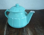 vintage teapot ,green, coffee pot, cafe culture,   french vintage housewares by ancienesthetique