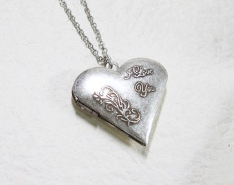 Vintage style I LOVE YOU Heart Silver Locket - S2344-1