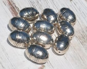 Silver Round Beads CCB Acrylic Glossy 1in x 2/3 in or 25mm x 18mm. Looks Like Metal