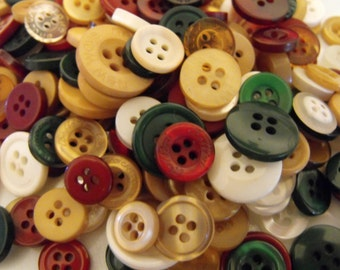 400 Vintage Christmas Buttons Round Multi Sizes