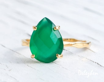 Green Onyx Ring Gold - Solitaire Ring - Green Stone Ring - Stacking Ring - Gold Ring - Tear Drop Ring - Prong Set Ring