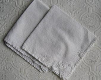 Vintage Battenburg Lace White Napkins - Set of Two - Large Dinner Napkins - Cotton Napkins