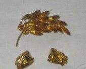 25% OFF SALE vintage amber rhinestone brooch and matching earring set