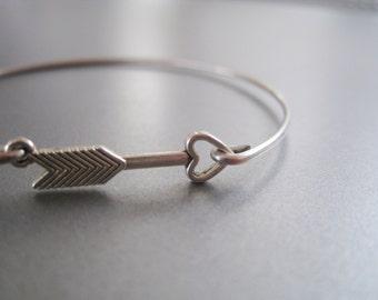 ARROW HEART bangle bracelet - Hunger games inspired