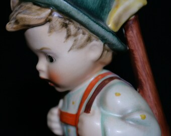 "MINT Goebel ""Sensitive Hunter"" M. I. Hummel Figurine TMK 6 Signed 6/1"