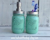 Set of 2 Painted Mason Jar Bathroom Set. Soap Dispenser And Toothbrush Combo. Green. Rustic Homedecor. Farmhouse Decor. Vintage. Distressed.