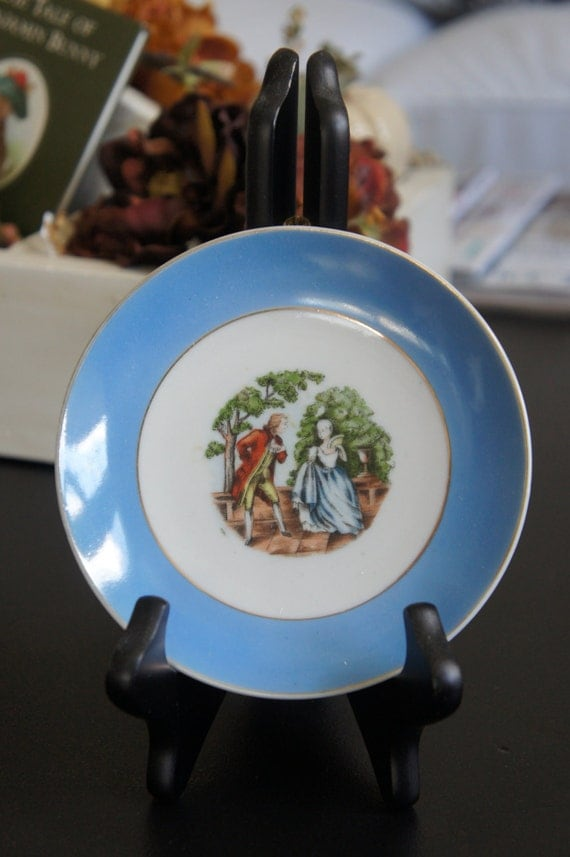 Blue and White French Couple Decorative Plate