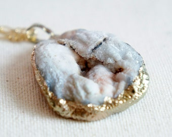30% OFF Raw Druzy Necklace - Natural Agate Druzy Pendant Necklace - Sparkle White Druzy - DGN16