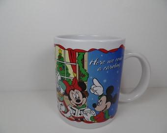 Vintage Mug: Disney Mickey & Friends Christmas Caroling Mug