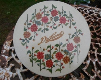 Vintage 1970s to 1980s Texas De Luxe Tin Fruitcake Cookie Tin Embroidered Looking Beige Sewing Tin Florals Earthtones Flowers