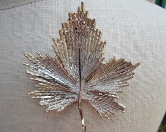 Vintage Silver Tone Cut Metal Maple Leaf Pin/Brooch Large 1960s to 1970s