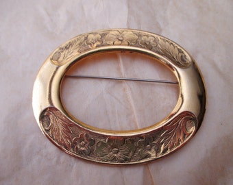 large vintage oval brooch - floral, victorian, romantic