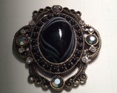 Vintage Art Deco Black and White 25x18mm Oval Cabochon 48x44mm Antique Brass Pendant QTY - 1 ONLY ONE