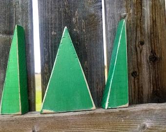 Set of 3 wooden tree shelf sitters