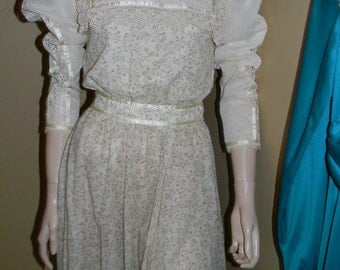 Gunne Sax Gown by Jessica. 1970s pan collar. American Heritage. cinch waist. ruffled trim.Granny boot .AMAZING FIND!