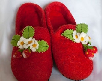Felted wool slippers berry/ strawberry/ red