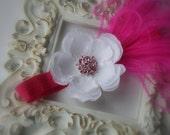 Baby Headband..Toddler Headband..Newborn Headband..Hot Pink and White Headband..Girls Hot Pink Flower Headband..Hot Pink Feathers..Headband