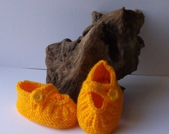 Hand knit baby girls shoes. Sunflower yellow. 0 - 6 months.