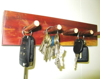 RECLAIMED CEDAR KEYRACK w/ hand carved twig peg hooks - Rustic Jewelry  Rack, Key Rack, Rack,  Hat Rack, Jewelry organizer, Jewelry Rack
