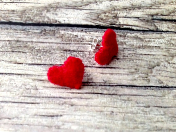 Ruby Red Fealt Heart Studs Heart Earrings Minimalis  Felt Jewelry Red Heart