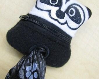 Skunk Doggy Poop Bag Holder