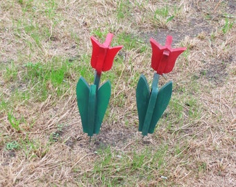 Vintage Outdoor Wood RED Tulip Flowers / Lawn Ornament - set of two
