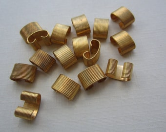Vintage Polished Brass Finely Ribbed Connectors Or Links 16Pcs.