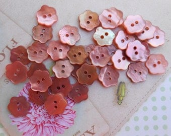 Buttons Mother of Pearl Pink Flowers 12pcs