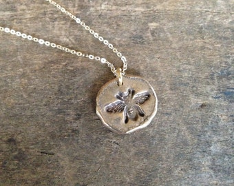 Gold Bee Necklace, Insect Jewelry Honey Bee, Empowering Jewelry Bridesmaid Gift, Queen Bee Necklace, Nature Jewelry