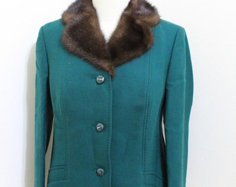 Vintage Green Wool Jacket with Fur Collar and Decorative Top Stitching - Size Medium to Large