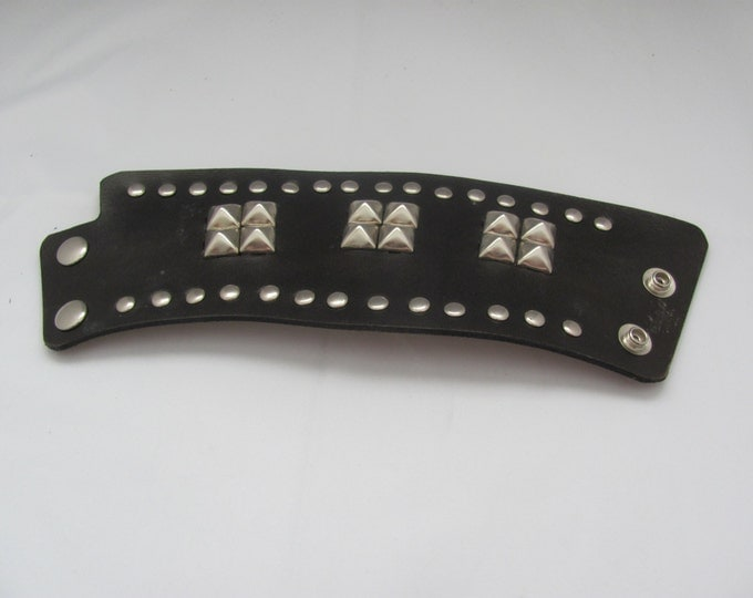 wrist cuff, brown leather wrist cuffs, Nickel pyramid studs and rivets design . cuff bracelets. wrist cuffs, western wear, hand made,