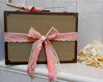 Pretty Pink and Lace Burlap Wedding Suitcase / Wedding Card Holder / Wedding Card Box / Wedding Card Holder / Burlap Wedding / Lace Wedding