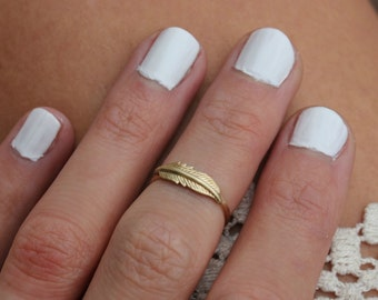 Gold midi ring, knuckle ring, feather stacking ring - midi ring, hammered, textured knuckle ring, brass ring