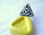 Irish knot Celtic knot mold  -  Food Quality non-toxic flexible silicone mold mould