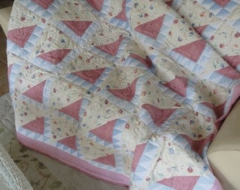 Hand Quilted Pretty in Pink twin size quilt