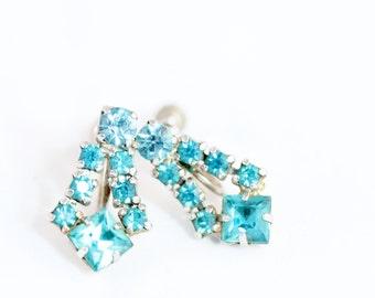 Vintage Aquamarine Rhodium  Silver Screw Back Earrings Blue Rhinestone Dangle