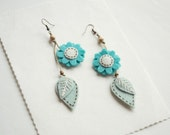 Felt earrings with flower and leaves, embroidered jewelry, dangle earrings, felt embroidered earrings